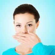 علت بوی بد دهان و درمان آن چیست؟