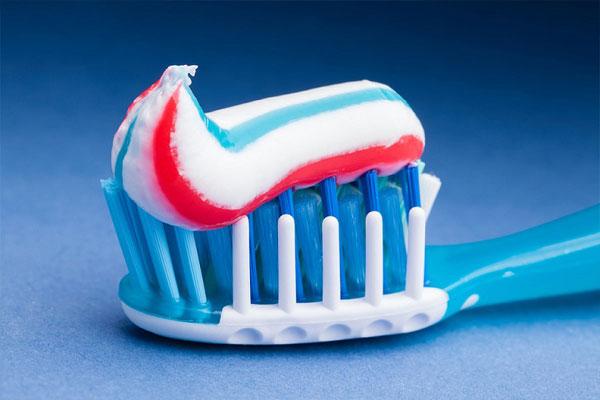 کدام خمیردندان برای دندانها بهتر است؟